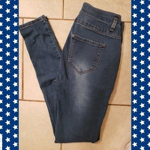 3 for $20. High rise Mudd skinny jeans. Size 3